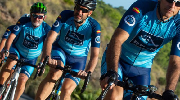 Sport and solidarity on two wheels. Pepe Uribe's achievement